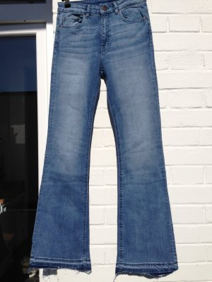 Jeans Flared Schlagjeans Divided Gr. 36 High Waist