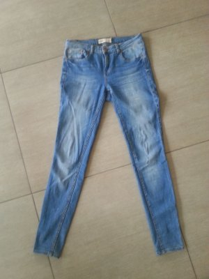 "Jeans Gina Tricot Gr. 40 Modell ""Lisa"""