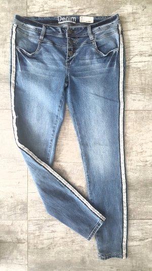 ☆Jeans☆ Gr. 42 mit Galonstreifen