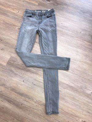 Jeans grau