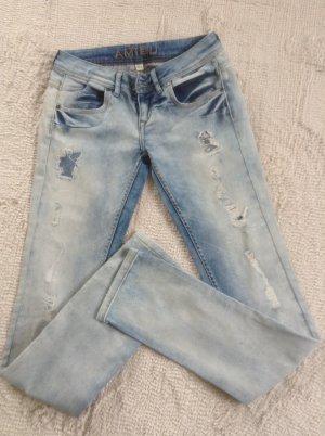 Jeans / hellblau / Gr. 27 (36) / NEU / Amisu