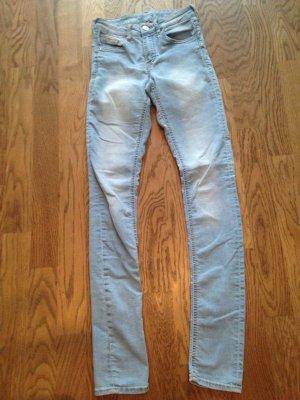 Jeans hellblau Gr. 34