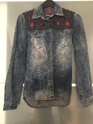 Chemise en jean bleu-rouge foncé
