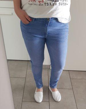 Jeans slim fit azzurro