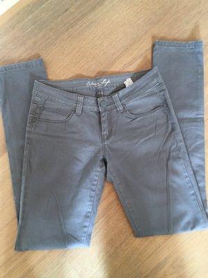 Jeans Hose grau hellgrau Basic gerades Bein Gr. 34