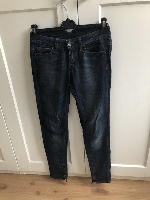 Jeans Hose Mango blau Waschung mit Reißverschluss am Knöchel