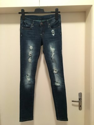 Jeans Hose Skinny Low Destroyed Risse Löcher Used Washed Blogger Trend Ripped