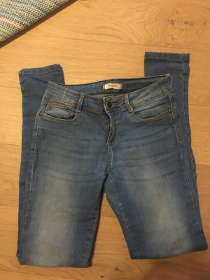 Jeans Hose skinny stretchig hellblau Gr. 36