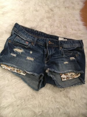 Jeans Hot Pan mit Leo Taschen