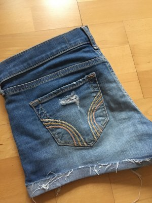 Jeans hot pant / Jeans shorts im Used-Look hellblau