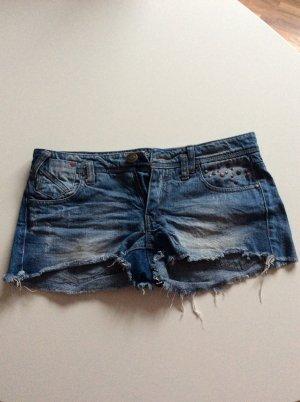 Jeans Hot Pants Nietenapplikation Größe 34 von Blanco