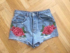 Jeans Hotpants / Shorts von Zara mit Rosen / Blumen Applikationen