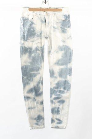 Jeans im Batiklook
