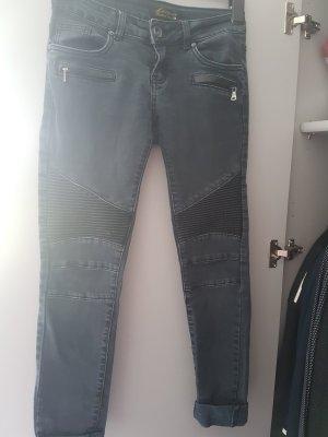 Jeans im Biker Style 36