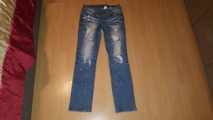 Jeans im Destroyed Look, ansehen lohnt sich