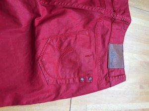 Jeans im gewachsten schönen Rotton