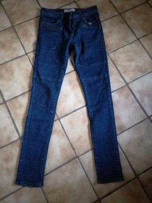 Jeans in Bikerstil