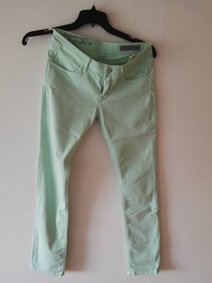 Jeans in Candy-colour mint