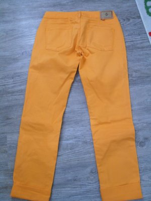 Jeans in der Farbe orange,