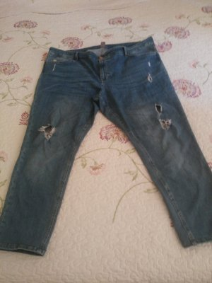 Jeans in destroyed look
