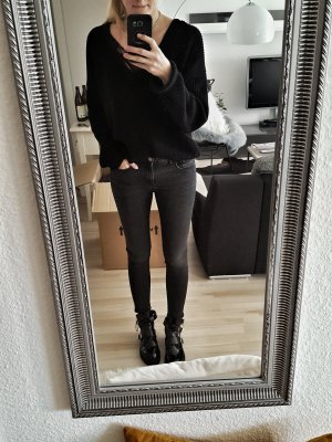 Jeans in dunklem Grau