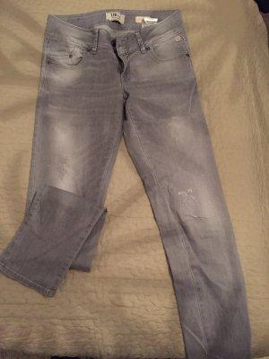 Jeans in grau siehe Foto