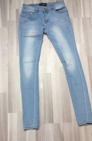 Jeans in Größe 38 der Marke Hailys