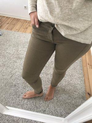 Jeans in Khaki - Perfekt für den HERBST!