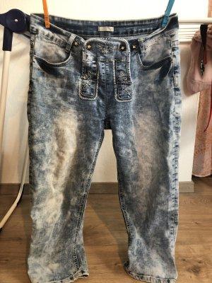 Jeans in Lederhosenstyle