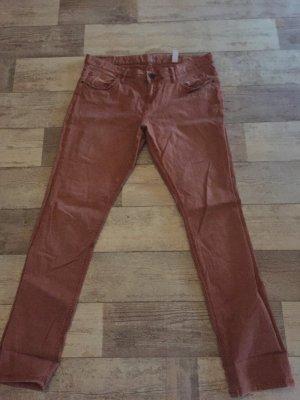 Jeans in rostrot, schöne Herbstfarbe