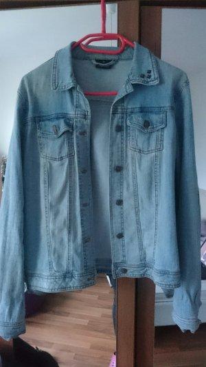 Jeans Jacke mit Nieten am Kragen