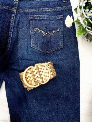 Jeans leicht ausgestellt, mit Goldverzierung und goldenem Gürtel, 36