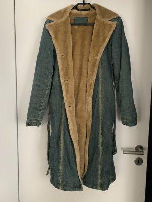 Jeans Mantel mit Kunstfell auf der Innenseite