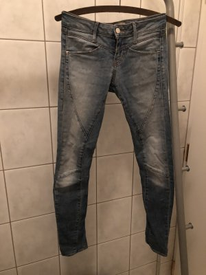 Jeans Marke guess!