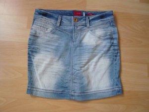 Jeans-Minrock, Marke: Vero Moda, Gr. 34, Used-Waschung, neuwertig