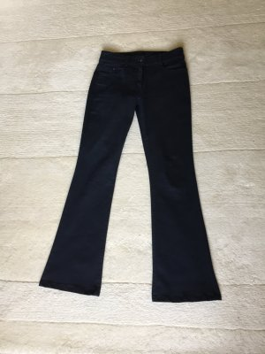 Jeans mit ausgestelltem Bein, Schlaghose
