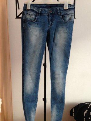Jeans mit Auswaschungen