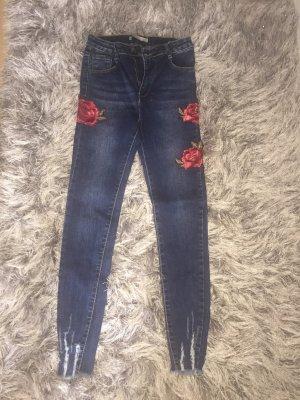 Jeans mit Bestickung
