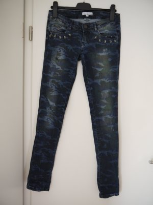 Jeans mit Camouflage-Muster