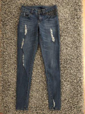 Jeans mit Cut Out
