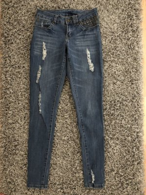 Jeans mit Cut Out