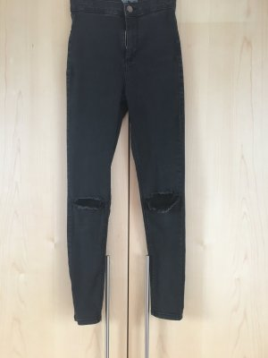 Jeans mit Knielöchern