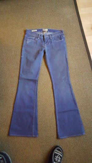 jeans mit leichtem schlag