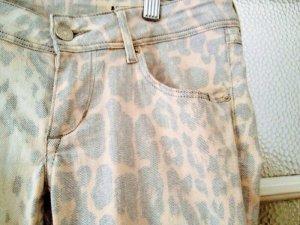Jeans mit Leomuster, Größe 27/32, ausgewaschen