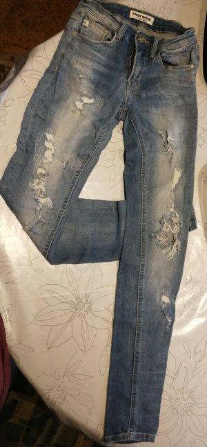 Jeans, mit Löcher, Gr. 32