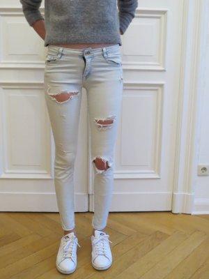 Jeans mit Löchern von Zara blau used look