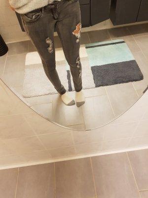 Jeans mit Nieten und Glitzerapplikation 28/32