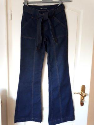 Jeans mit Schlag 70er Jahre Style