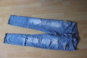 Jeans mit Schmuckelementen