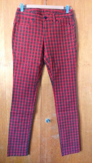 Jeans mit Schottenmuster, schwarz rot kariert